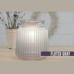 New in box scentsy fluted grey warmer